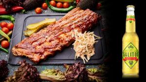 Costite marinate de porc, salata coleslaw, salitos